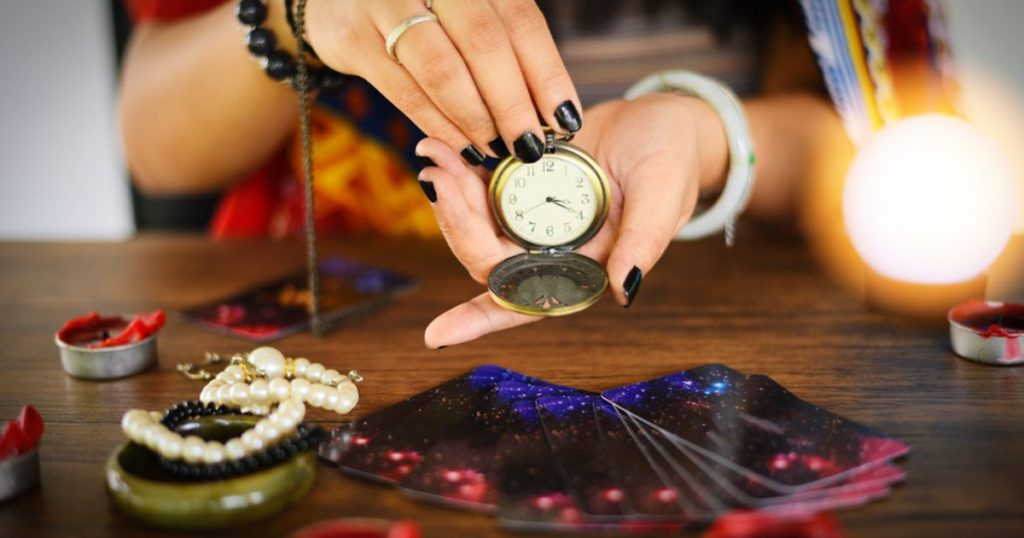 HOW TO CHOOSE THE RIGHT PSYCHIC FOR YOU​